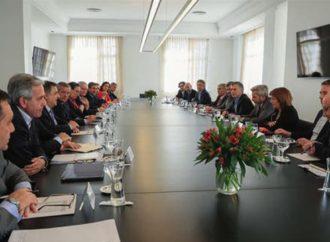 """La reunión de Macri y su gabinete: un encuentro para empezar a dejar atrás el """"shock"""" del domingo"""