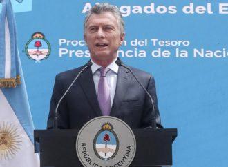 Hiperactivo, Macri vuelve a viajar y se despide con una cadena nacional