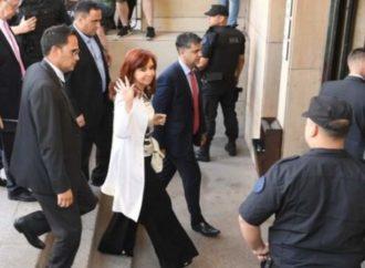 Declaró Cristina Kirchner e involucró a Alberto Fernández en el juicio por corrupción con la obra pública